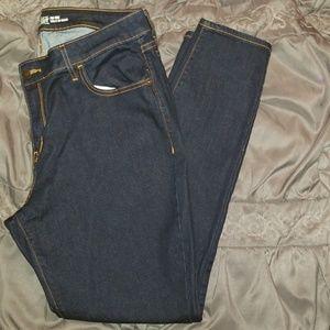 Old Navy Rockstar Mid-Rise Skinny Jeans Sz. 16